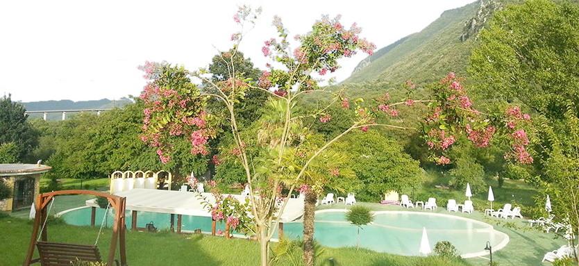 piscina-hotel-borgo-antico